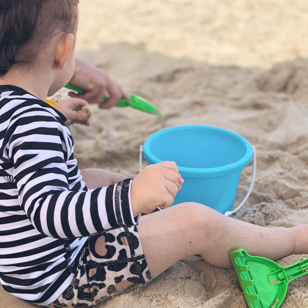 איפה לטייל עם ילד בחופש עם השוקעת בחן איילה cv
